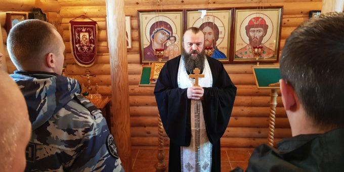 Иеромонах Иеремия (Чугунов) во время проповеди